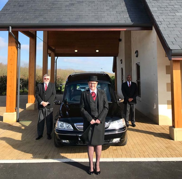 Jem and Karen with hease outside North Wiltshire Crematorium-min